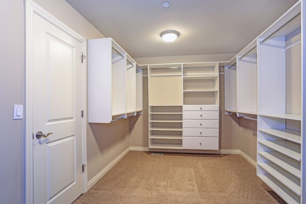 Handyman Services - Closets